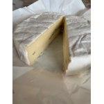 Продукт питания White Cheese from Zhukovka Сыр с голубой плесенью Bresse Blue (из Жуковки) фото