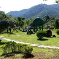 Парк динозавров, конечно не настоящих!