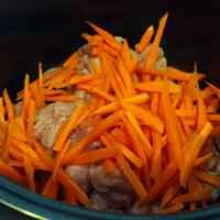 Ну плов так плов! Мясо и морковь загружены внутрь.