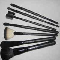 Щеточка-расческа для бровей и ресниц Oriflame фото