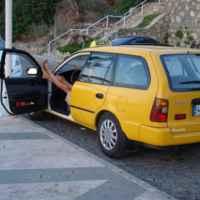А так отдыхают таксисты