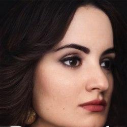 Lady_Escobar