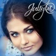 Juliy@