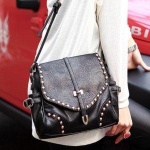 Сумка Aliexpress 2013 Women bags Restore ancient Studded leather bag PU Leather Handbags Tote Messenger Shoulder Bag,Free shipping  BG2017 фото