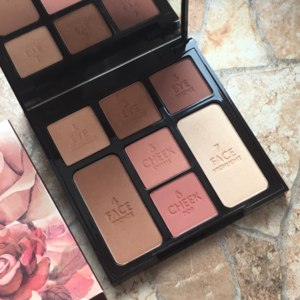 Палетка Charlotte Tilbury Instant Look in a Palette Stoned Rose  фото