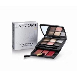 Набор декоративной косметики Lancome Magic Voyage Lips & Eyes Pocket Palette фото