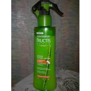 """Спрей-термозащита для волос Fructis """"Гладкость и блеск"""" с экстрактом бамбука фото"""