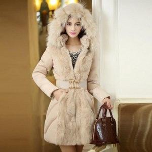 Пуховик AliExpress 2014-Fashionable-Women-Luxury-Style-Long-Winter-Parkas-Ladies-Fur-Collar-Outerwear-WT4422 фото