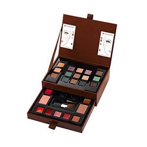 Палитра для макияжа Ив Роше / Yves Rocher Палитра макияжа 24 оттенка фото