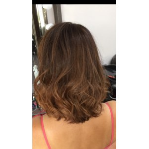 Окрашивание волос в технике Handtouch фото