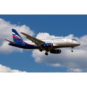 Sukhoi Superjet 100 фото