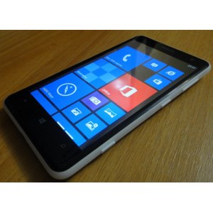Мобильный телефон Nokia Lumia 625 фото