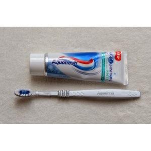 Зубная паста Aquafresh Aquafresh High Definition White Морозная свежесть фото