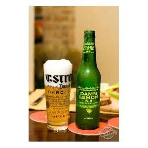 Пиво Damm S.A lemon  фото