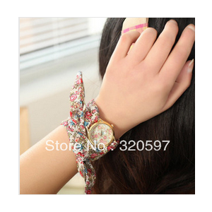 Часы Aliexpress Free ship by China post two colors Women flower cloth wrist watch/fashionable watch/fabric watch фото