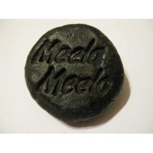 """Твердый шампунь Meela Meelo """"Волшебная сажа"""". Активное очищение фото"""