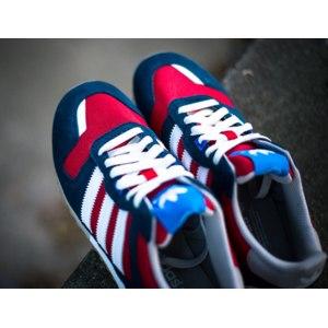 Кроссовки Adidas zx 700 фото