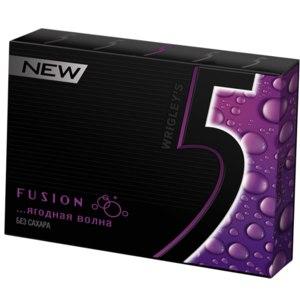 Жевательная резинка  Wrigley's Fusion ягодная волна фото