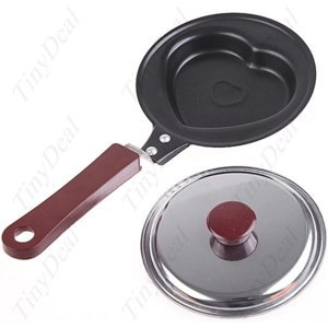 Сковорода TinyDeal Mini Valentine's Heart Shaped Omelette Omelet Egg Frying Pan Non-Stick with Lid Cover HHI-4707 фото