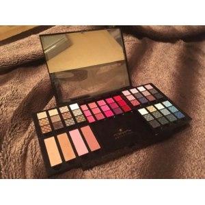 Палитра для макияжа Л'Этуаль Palette Beaute La Reine est Ravie 55 couleurs  фото