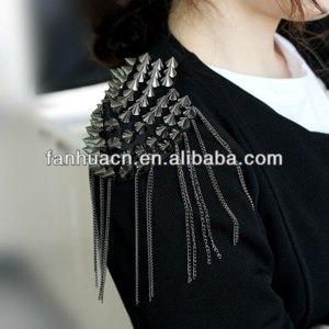 Погон Aliexpress 2013 Fashion element spike punk style tassels brooch/shoulder board фото