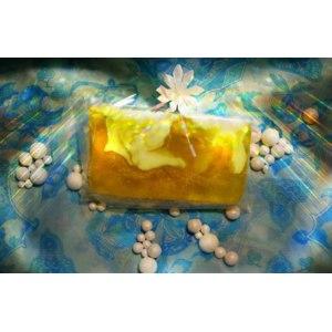 Натуральное мыло ручной работы Valent Vota с люфой Липовый цвет фото