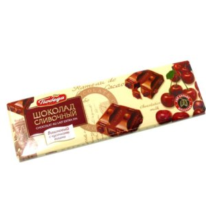 Шоколад Победа сливочный вишневый с кусочками вишни фото