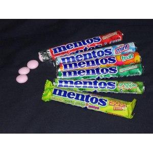Жевательные драже Mentos  фото