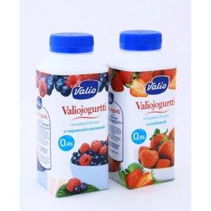 Йогурт питьевой Valio с черникой и малиной фото