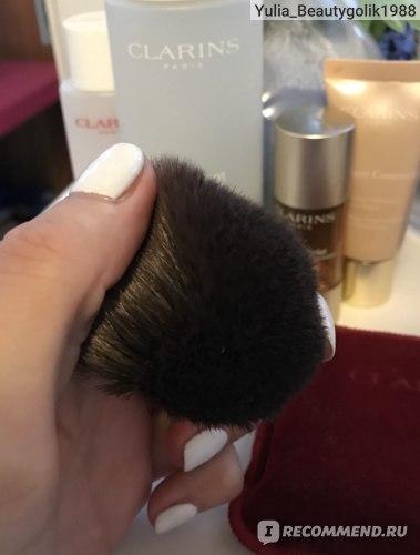 Кабуки Clarins Кисть для макияжа фото