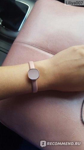 Фитнес-браслет Samsung Charm фото