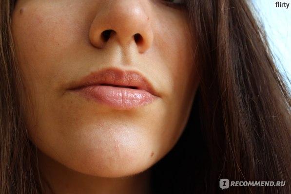 Помада - блеск для губ (кремовая) Burberry Lip Mist фото