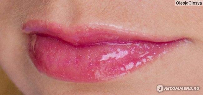 Блеск для губ Essence glossy lipbalm фото