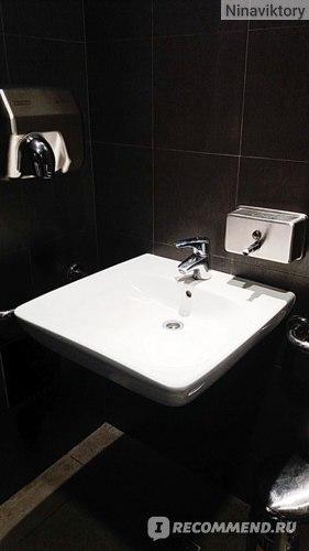 Туалет Макдональдс в Ашане