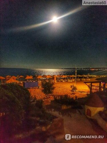 Пляж 117. Вид из номера. Отель Sunrise, Феодосия