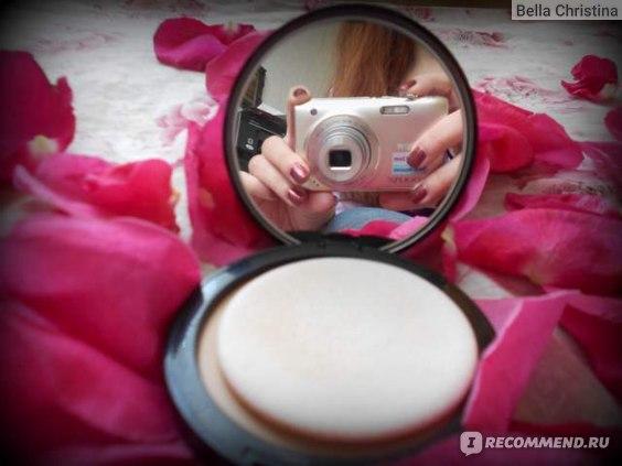 зеркало, которое, я надеюсь, что это заметно, хорошо увеличивает