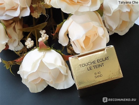 Тональный крем Yves Saint Laurent Le Teint Touche Éclat Foundation