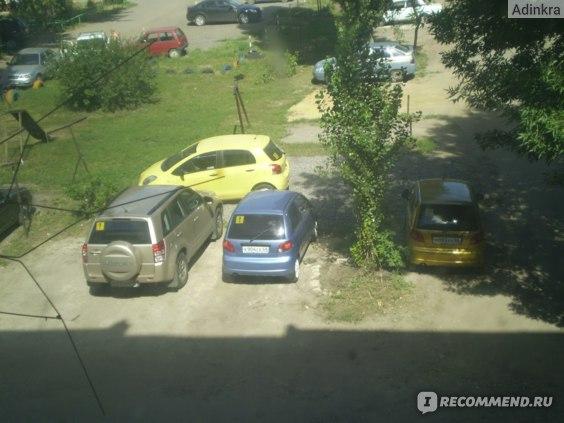 Опасное соседство: в тот год количество начинающих водителей на квадратный метр двора резко зашкаливало