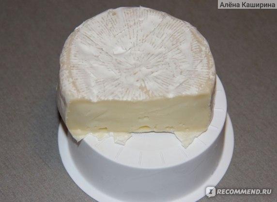 Сыр Castello  Brie с белой плесенью 50% фото