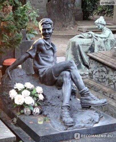 Монументальное кладбище в Милане фото