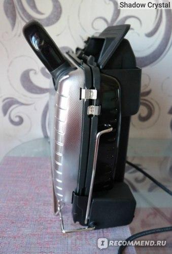 Tefal Ultra Compact Health Grill Comfort GC306012 в вертикальном положении