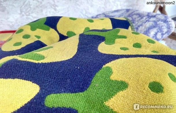 Махровое полотенце с гладким верхом