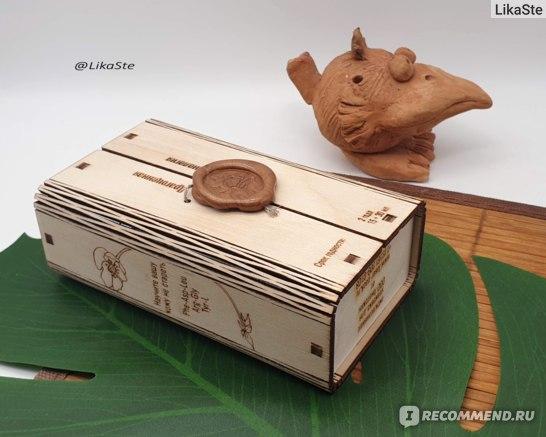 """""""Крем-актив «ANTI AGE» для лица, шеи и области декольте"""" Belle Vue Derme, Шикарная коробочка из натурального дерева, закрытая на настоящую сургучную печать. Коробочка защёлкивается сверху, ее можно использовать как шкатулку, когда крем закончится."""