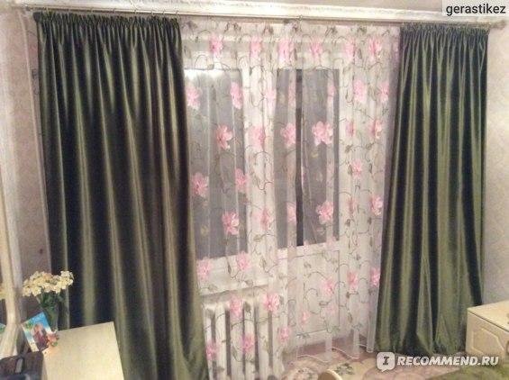 Боковые гардины из темно-зеленого бархата. 5 м ткани + пошив = 6 тысяч рублей