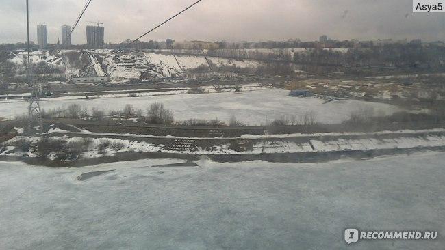 Вид на Волгу зимой с нижегородской канатной дороги.