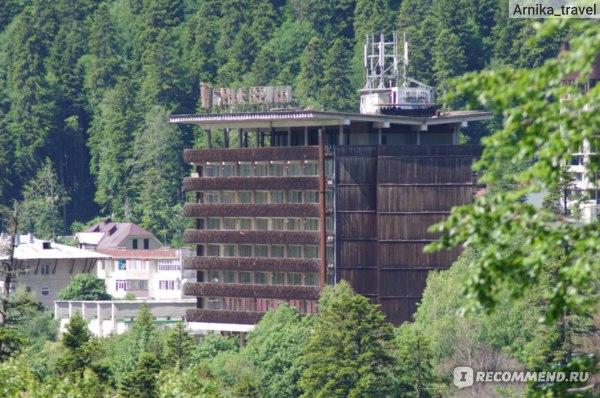Советское наследие, гостиницы Домбая