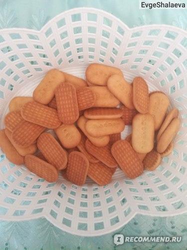 В упаковке 150 грамм, это около 40 печенек.