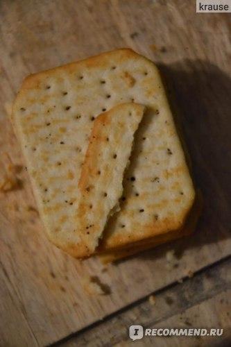 Крекер Kraft Foods TUC salt'n'pepper с солью и перцем фото