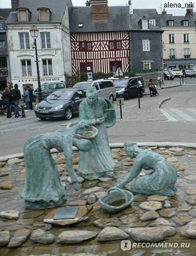 Памятник Сборщицам мидий