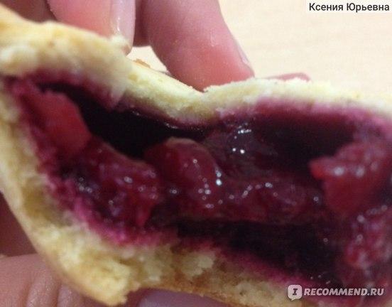 """Кекс  Хлебный дом """"Ягодное лукошко"""" с вишневой начинкой фото"""